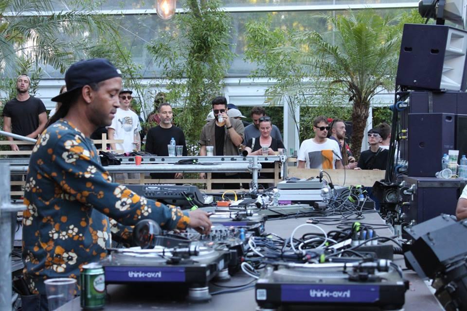 Dekmantel DJ-gear Huren